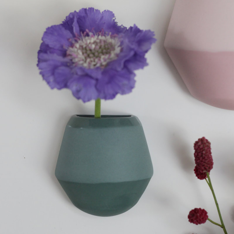 Hanneke Wall vase by Hella Duijs | House of Thol 'Get it at the Creatives' gift guide